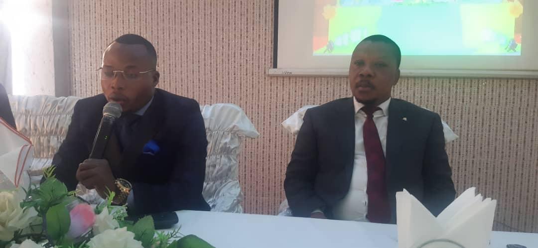 Me Pascal Nyembo répondant aux questions