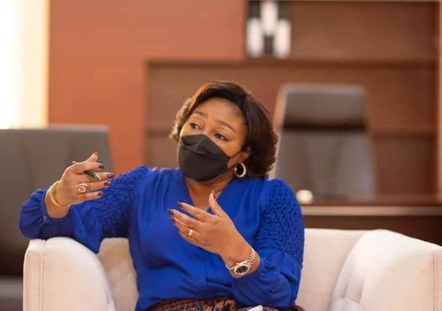 RDC-NOËL POUR TOUS : La première dame partage un repas de coeur avec quelques associations