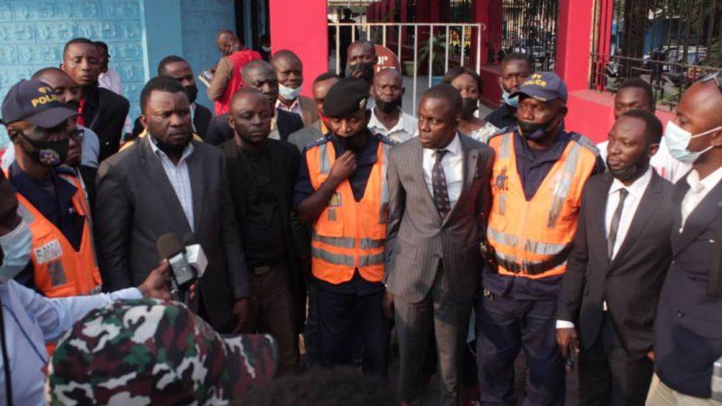 Kinshasa/Sécurité Routière : Réunion spéciale entre le commissaire divisionnaire adjoint Sylvano Kasongo/inspecteur provincial de la police nationale congolaise avec la synergie des associations des chauffeurs